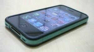 カラフルなiPhone4/4S用バンパーを購入してみた