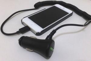 [iPhone]車のシガーソケットから充電できるLightning DC充電ケーブルを買ってみた