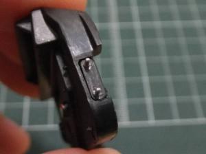 インストルメントパネル(後)の右側面にスイッチ(2P)を仮組み