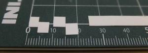 5mm幅両面テープを、4mm×2枚、5mm×2枚にカット