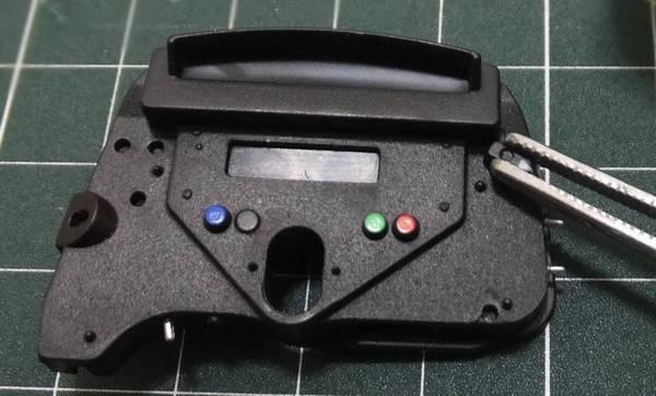 プラモデル(スチロール樹脂)用接着剤を塗り組み合わせ
