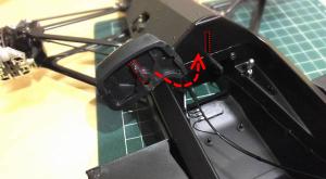 メインボディの溝と、インストルメントパネルの突起部分を仮組み