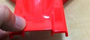 ABS用接着剤を塗り、仮組み時同様に組み合わせ、3分以上押さえておく