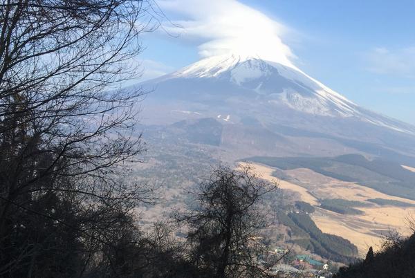 黒岳ちょっと手前から見た富士山